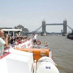 Imagen Hop-on Hop-Off River Cruise 24H + Tower Bridge Exhibition