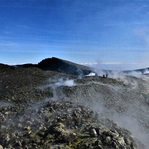 Cima y cráter del Etna