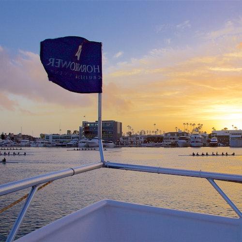 Crucero con cena por Newport Beach