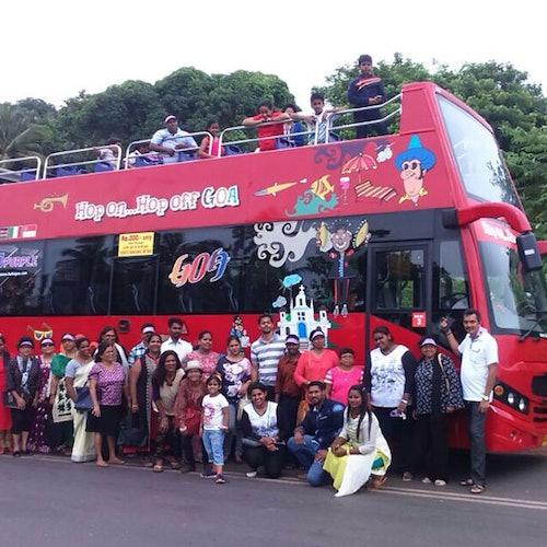 Bus turístico Goa