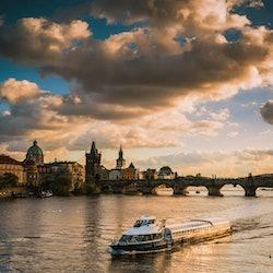 Tickets, museos, atracciones,Crucero por el río Moldova,Con cena incluida