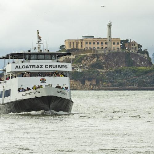 Alcatraz y tour guiado en bici al atardecer