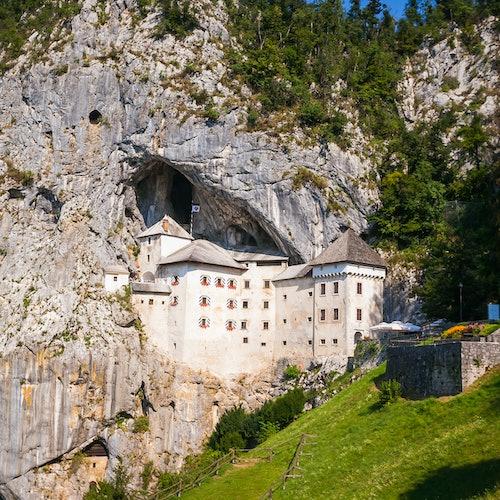 Cueva Postojna y castillo de Predjama: Tour de medio día desde Liubliana