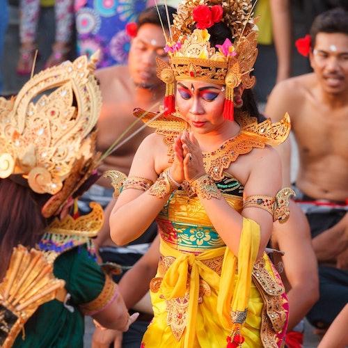 Tour al atardecer del templo Uluwatu y danza kecak